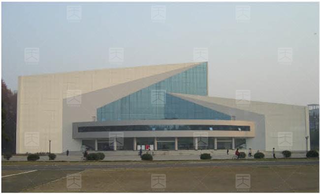 图1 体育馆建筑外形