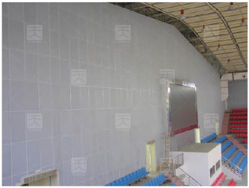 图3 山墙吸声材料的布置