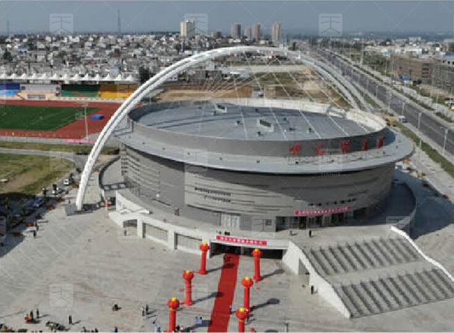 图1 明光市体育馆建筑造型
