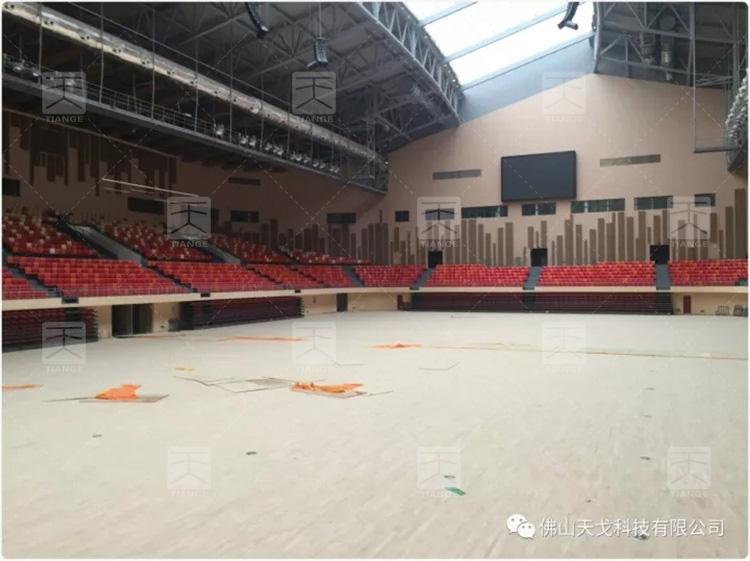 图2 遵义市奥林匹克体育中心内部图片