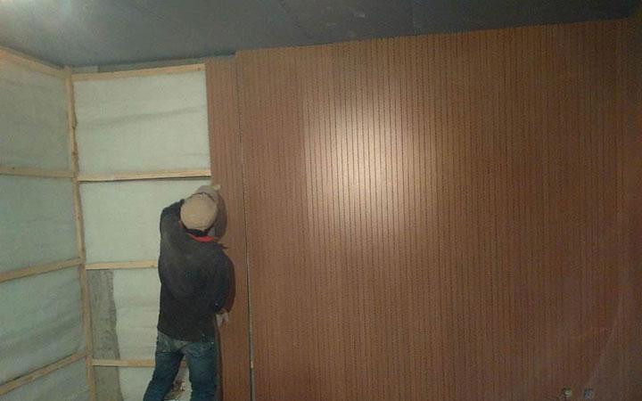 吸音板怎么固定在墙上